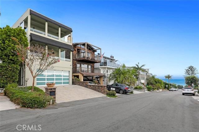 1040 La Mirada Street, Laguna Beach CA: http://media.crmls.org/medias/ac7b40d8-7372-4ee1-bf22-2aa4e5a1b33d.jpg