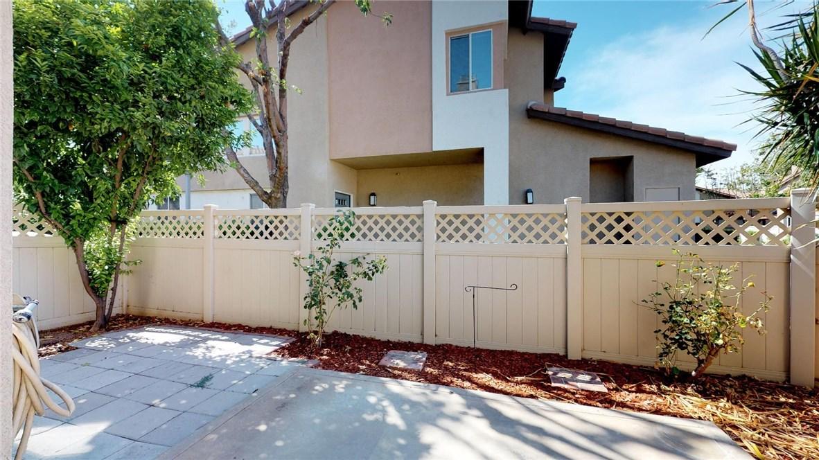 13025 Via Antibes, Riverside CA: http://media.crmls.org/medias/ac7e5a4c-94cc-48a6-8bce-9d5f88937b94.jpg
