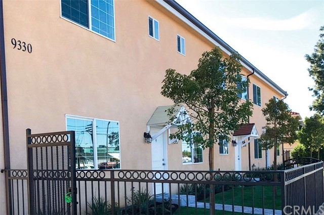 Townhouse for Sale at 9330 Sunland Boulevard W Sun Valley, California 91352 United States