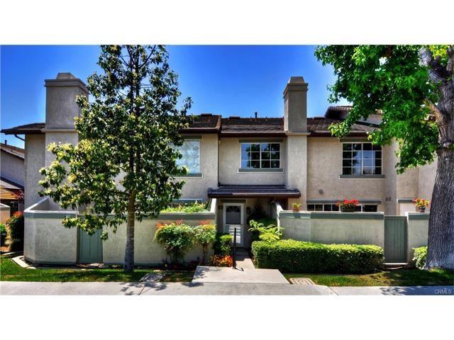 Condominium for Rent at 95 Oxford Irvine, California 92612 United States