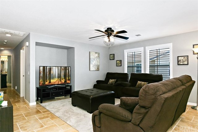 10339 W Cooks W Drive, Rancho Cucamonga CA: http://media.crmls.org/medias/ac9b1f50-1c38-4cc1-ab7c-e9132ca62f8b.jpg