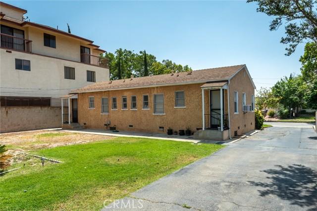 417 Irving Avenue, Glendale CA: http://media.crmls.org/medias/ac9dbfd1-bbeb-42bb-a46f-a868f6e967ab.jpg