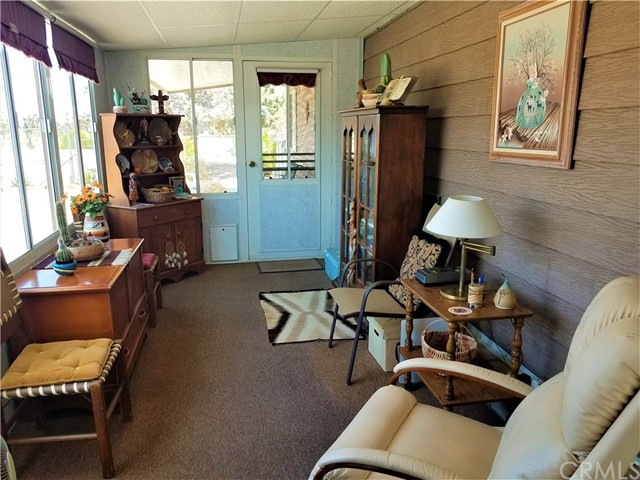 7501 Palm, Yucca Valley CA: http://media.crmls.org/medias/aca2283b-8aca-4290-a7c6-fc622c9bd118.jpg