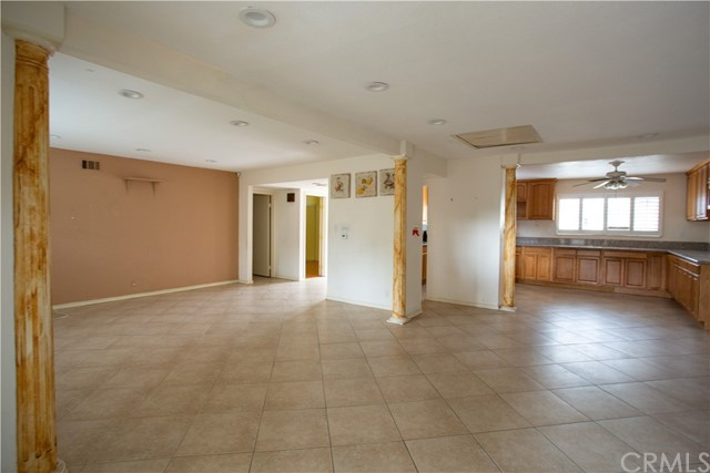 16631 Ross Ln, Huntington Beach CA: http://media.crmls.org/medias/aca2c5c2-042d-4be7-9d85-bb803c2c9c14.jpg