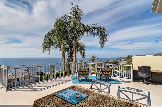 31365 Monterey Street, Laguna Beach CA: http://media.crmls.org/medias/acbb1824-3801-46f1-b08e-543b5ff5f263.jpg