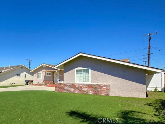 2855 W Lynrose Dr, Anaheim, CA 92804 Photo 2