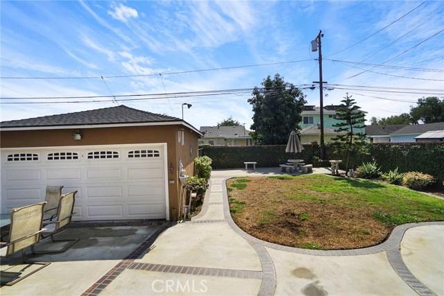 3716 Allred Street, Lakewood CA: http://media.crmls.org/medias/acd4af4b-a39d-453d-8752-d19087838ae6.jpg