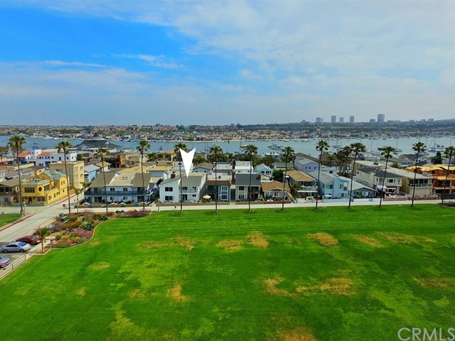 906 E Oceanfront Newport Beach, CA 92661 - MLS #: OC17129348