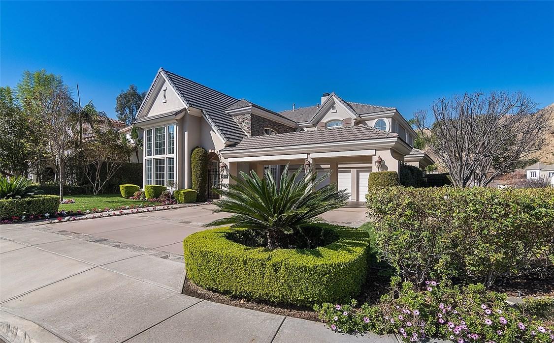 Casa Unifamiliar por un Venta en 3425 Kildare Court Burbank, California 91504 Estados Unidos
