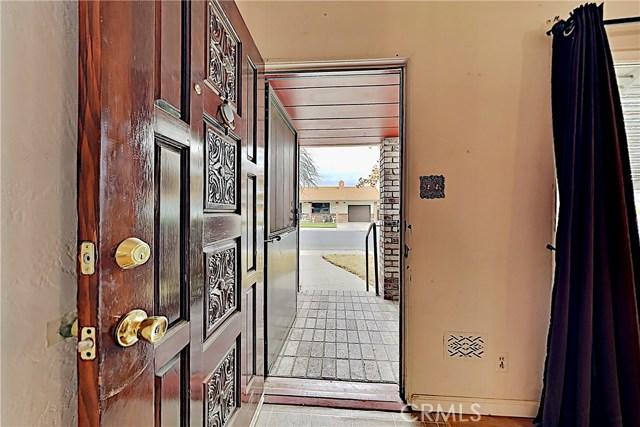 1405 S Nevada Avenue, Los Banos CA: http://media.crmls.org/medias/ace1f481-252f-4bde-9aa1-46eb72bc7bfd.jpg