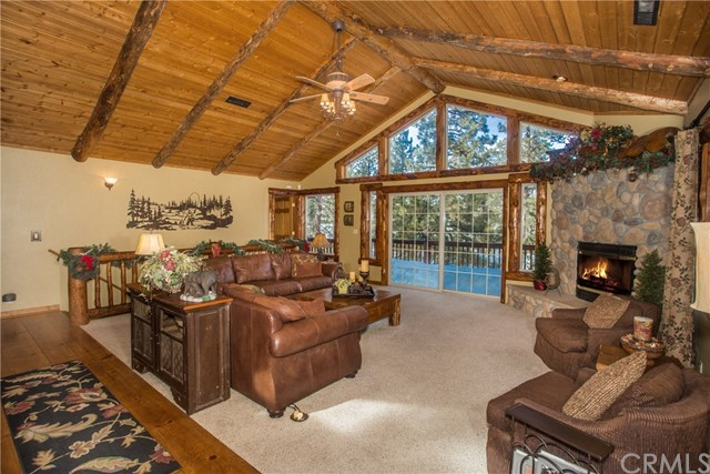 39258 Waterview Drive, Big Bear CA: http://media.crmls.org/medias/ace9d6e8-dc15-4926-a7fc-e76b42ea4b61.jpg