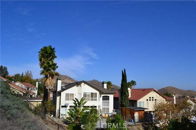 494 Wellington Circle, Corona CA: http://media.crmls.org/medias/acfea31d-ca91-43df-80f2-b391ea7a2cb6.jpg