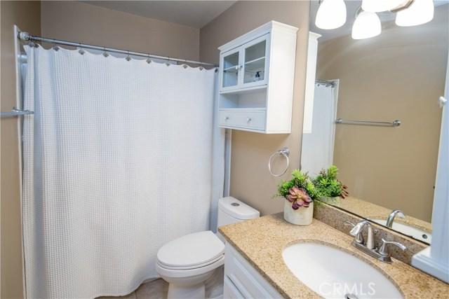 2390 Fordham Drive, Costa Mesa CA: http://media.crmls.org/medias/acffef69-fb5e-4871-9a91-a74580bcfe9a.jpg