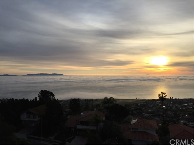 Single Family Home for Sale at 3674 Cliffsite Drive Palos Verdes Peninsula, California 90275 United States