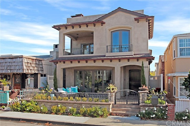 Single Family Home for Sale at 220 Sapphire Avenue Newport Beach, California 92662 United States