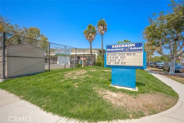 5917 E Wentworth Street, Long Beach CA: http://media.crmls.org/medias/ad012cc8-a91f-48c7-aced-e8a979905bc5.jpg