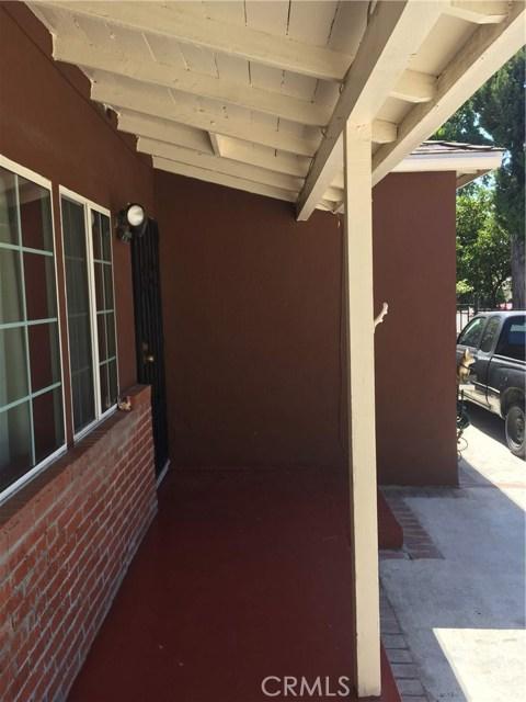 7854 Ben Avenue, North Hollywood CA: http://media.crmls.org/medias/ad034d16-2d7e-4e29-8216-3718520e5f1e.jpg