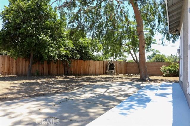 7126 Lurline Avenue, Winnetka CA: http://media.crmls.org/medias/ad10649f-f590-42a4-a86b-d6ccc8fa44a8.jpg