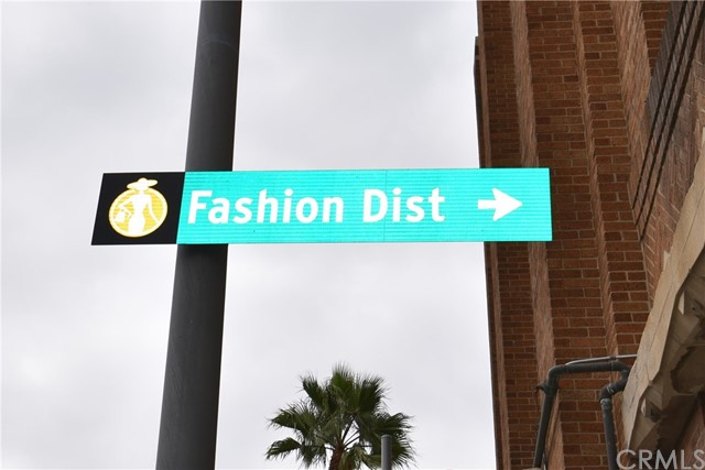 757 E Washington Boulevard, Los Angeles CA: http://media.crmls.org/medias/ad11aa1a-11f4-4753-b688-caadf72806e9.jpg