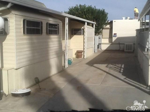 84250 Indio Springs Drive, Indio CA: http://media.crmls.org/medias/ad1611b9-006e-4975-a1fd-f5c8311d2fba.jpg