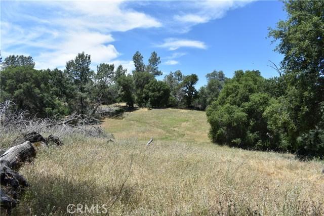 80 Lookout Mountain Road, Mariposa CA: http://media.crmls.org/medias/ad168036-05de-416b-8b77-106b41cb87d9.jpg