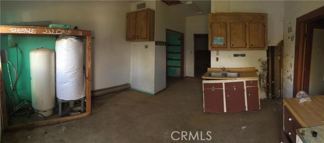 39390 Highway 41, Oakhurst CA: http://media.crmls.org/medias/ad23405b-333d-4e08-a98b-b9055e014b29.jpg