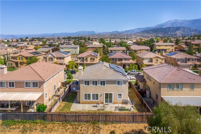 37275 High Ridge Drive, Beaumont CA: http://media.crmls.org/medias/ad27d168-f7f9-4c6a-9a72-e1e483257f79.jpg