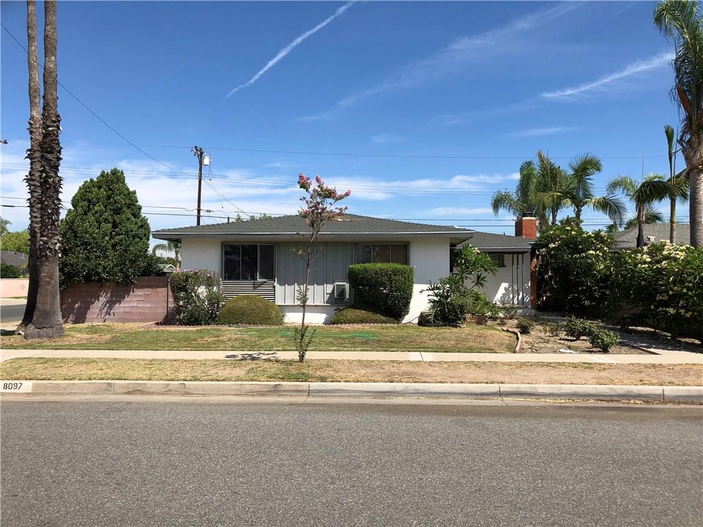 8097 Carnation Drive, Buena Park CA: http://media.crmls.org/medias/ad2a1902-548f-4a28-b77c-d2266e86a21d.jpg