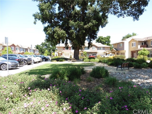 5566 Madrono Place, Atascadero CA: http://media.crmls.org/medias/ad3958b7-a601-49bb-8bee-6ee9a1ee78ac.jpg