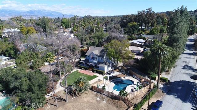 1311 S Center Street, Redlands CA: http://media.crmls.org/medias/ad53b615-e757-45a8-a592-528d8990a0e8.jpg