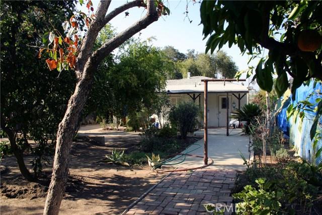 15808 Victoria Avenue, La Puente CA: http://media.crmls.org/medias/ad5baf76-8882-4313-abfa-6c7d02db6da8.jpg