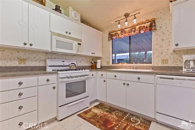 移动 / 房屋 为 销售 在 74711 Dillon Road Desert Hot Springs, 加利福尼亚州 92241 美国
