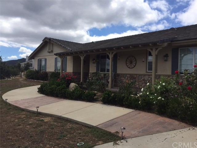 Single Family Home for Sale, ListingId:34405547, location: 18110 Avenida Bosque Murrieta 92562