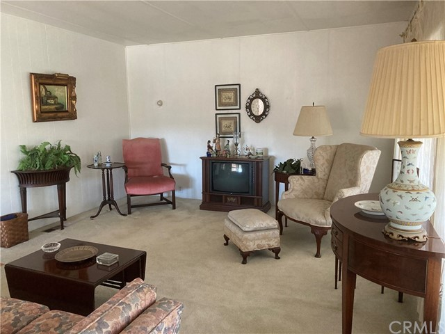 305 N Jade Cove, Long Beach CA: http://media.crmls.org/medias/ad73adde-d193-4656-b4c3-a6003829b8ba.jpg