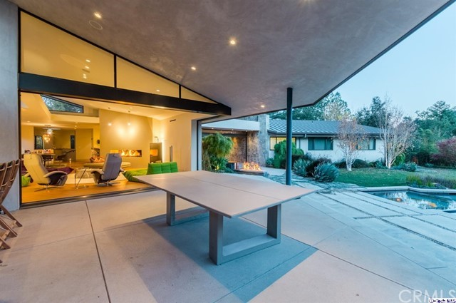 4245 Chula Senda Lane, La Canada Flintridge CA: http://media.crmls.org/medias/ad7c82e8-0fe3-4b73-8348-49029a13e2e2.jpg
