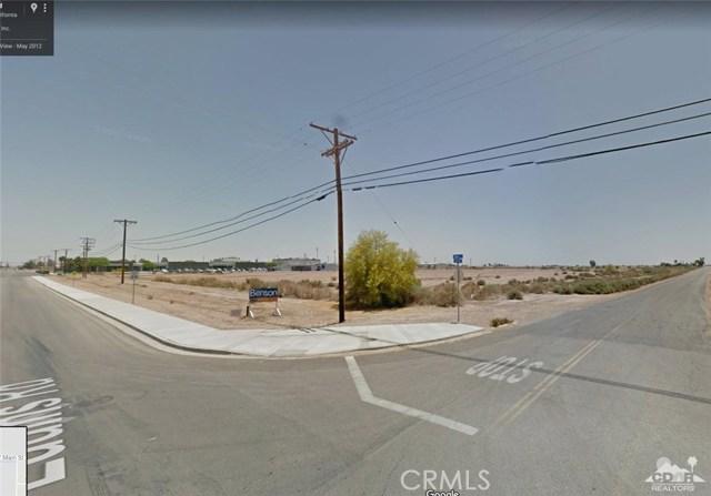 701 W Main Street, Calipatria CA: http://media.crmls.org/medias/ad80256e-6290-4628-a334-e1c0fb17d333.jpg