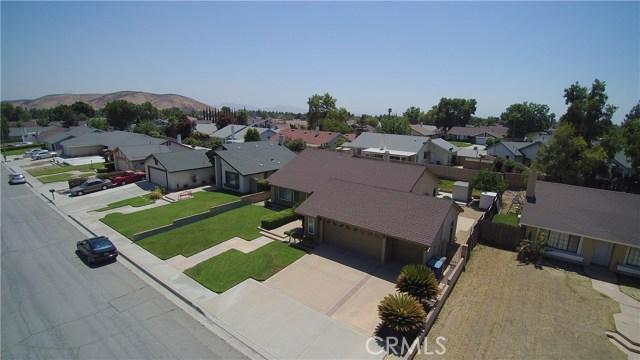 2235 SHERIDAN RD, San Bernardino CA: http://media.crmls.org/medias/ad8b507d-ff51-433c-a568-5fadb9652aab.jpg