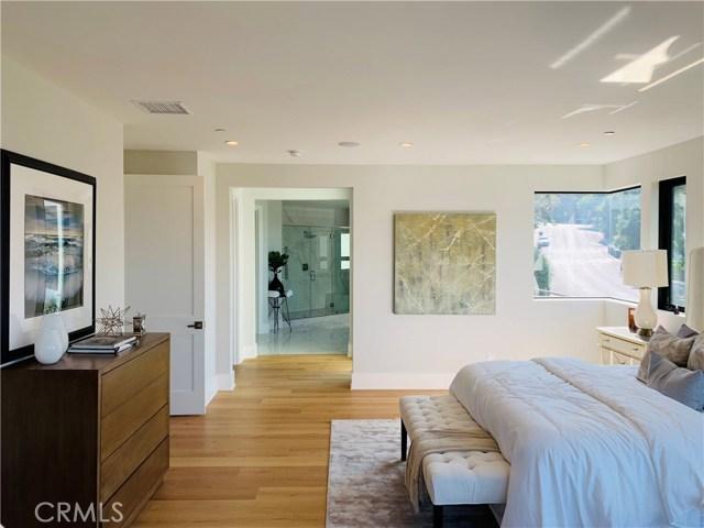 3020 Dona Emilia Drive, Studio City CA: http://media.crmls.org/medias/ad952319-862c-42dd-bd19-74af971d9644.jpg