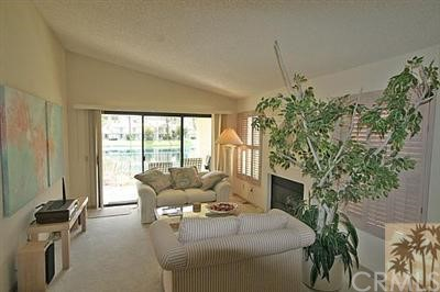 55423 Tanglewood, La Quinta CA: http://media.crmls.org/medias/ad963119-57d8-4049-8fd0-5edcac76e892.jpg