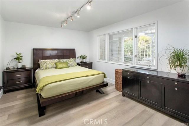 550 Thalia Street, Laguna Beach CA: http://media.crmls.org/medias/ad97eaa9-d0e4-4328-9b62-2ded64b8e3e6.jpg