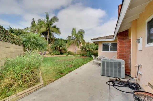 7806 E Torin Street, Long Beach CA: http://media.crmls.org/medias/adb7f68f-1fc0-4829-a0bb-611fe09da76e.jpg