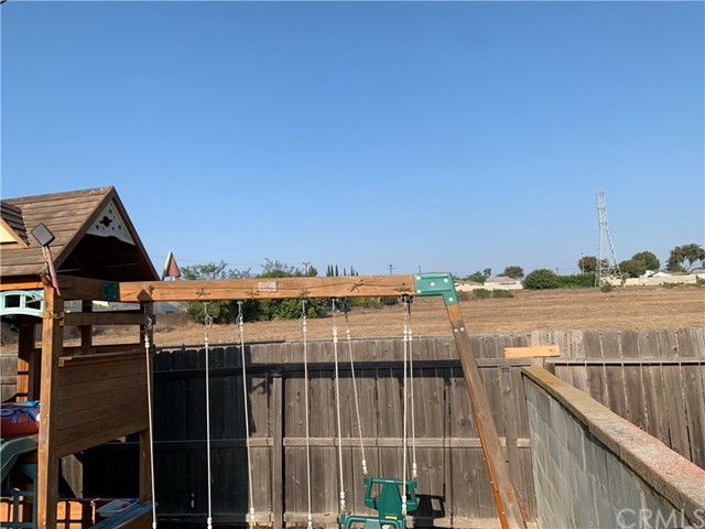 15632 S Visalia Avenue, Los Angeles, California 90220, 3 Bedrooms Bedrooms, ,2 BathroomsBathrooms,Single family residence,For sale,Visalia,PW20186258