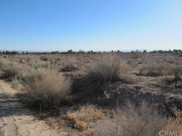 Additional photo for property listing at 0 Valle Vista Road  Phelan, California 92371 United States