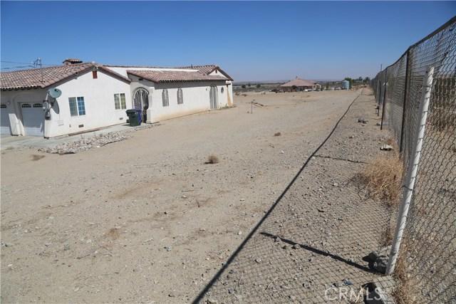 14794 Columbine Street, Victorville CA: http://media.crmls.org/medias/ade007aa-90de-4777-b694-7affdfa25af4.jpg