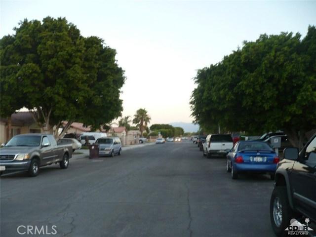 49088 Summer Street, Coachella CA: http://media.crmls.org/medias/ade124b4-e0df-4091-aee9-a5fd263b9eca.jpg