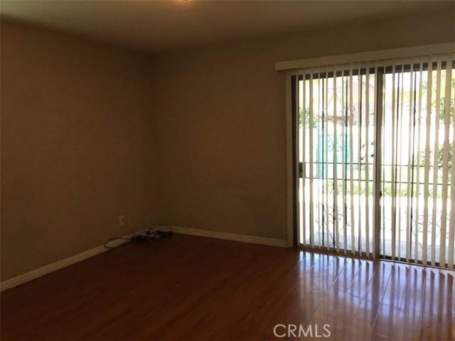3569 Delta Avenue, Long Beach CA: http://media.crmls.org/medias/ade1d39b-8f30-42f6-ad92-44d0c264a7d7.jpg