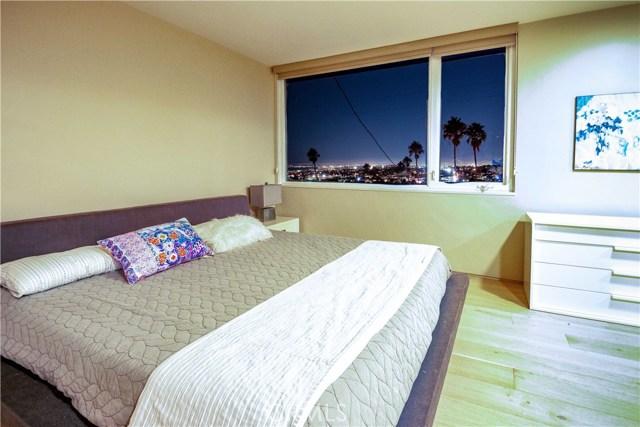 301 Avenida Atezada, Redondo Beach CA: http://media.crmls.org/medias/ade23c18-d318-44ab-92b2-19ba2ffce1a5.jpg