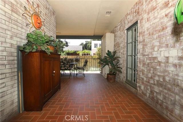 130 W 8th Street, Claremont CA: http://media.crmls.org/medias/ade3334f-efc4-4875-8dc7-befdd1143716.jpg