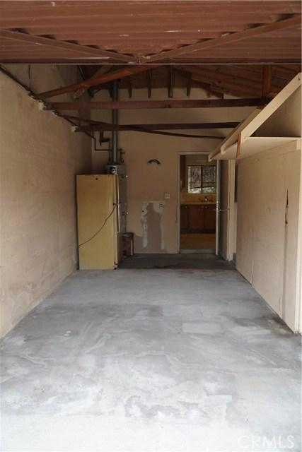 824 Sycamore, Montebello CA: http://media.crmls.org/medias/ade8c41c-f4a9-4dec-bc04-e7e45b31501c.jpg