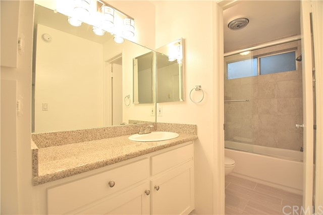 2721 6th St, Santa Monica, CA 90405 Photo 6